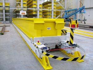 Prepravný vozík s pružnou ochranou proti dotyku