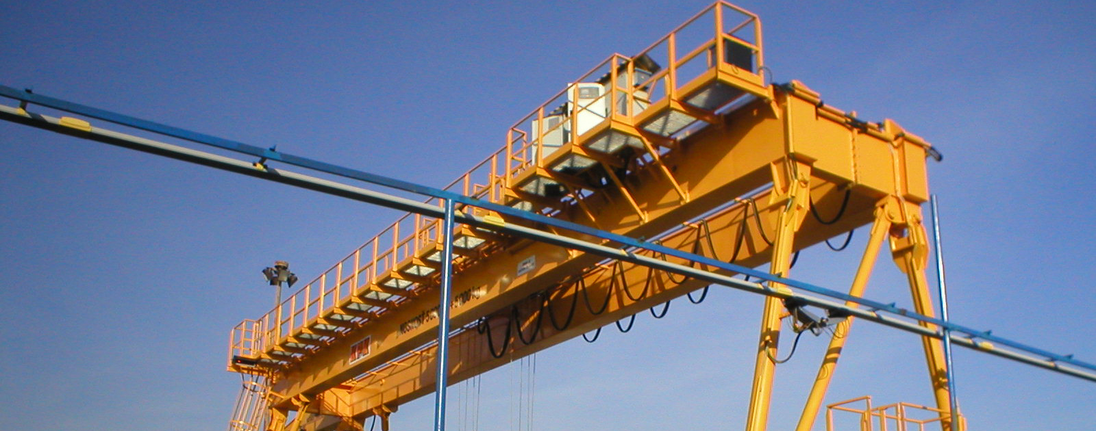 Double girder portal cranes