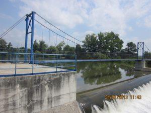 Lávka pre peších cez rieku Hron
