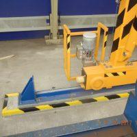 Double girder gantry crane - detail of wheels