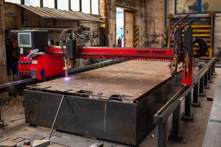The cutting machine RUR 3000